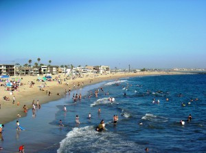 A more familiar view of Seal Beach on a summer day.