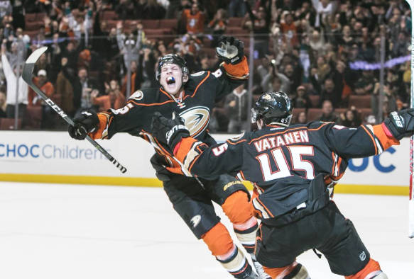 ONDEJ KASE celebrates scoring the game-winner Friday as the Ducks defeated the Arizona Coyotes 3-2 at Honda Center (Ducks photo).